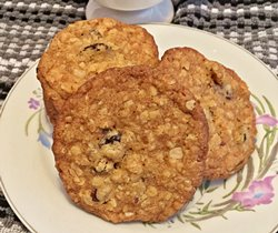 Chewy Oatmeal Cranberry Cookies