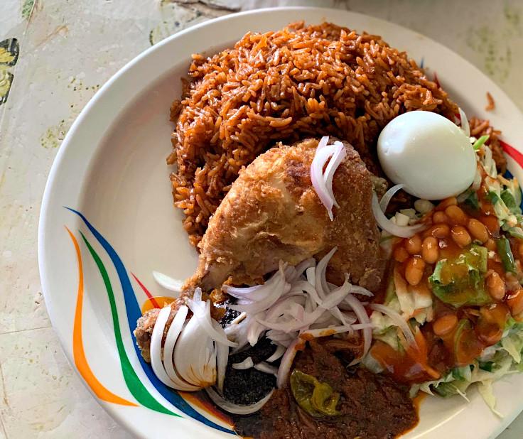 Simple Procedure to Prepare Jollof Rice for Dinner