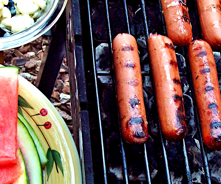 BBQ Hot Dogs and Picnic Macaroni Salad