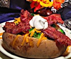 Image of Bacon, Broccoli and Cheddar-Topped Potato