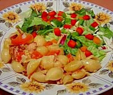 Bacon and Tomato Pasta Shells