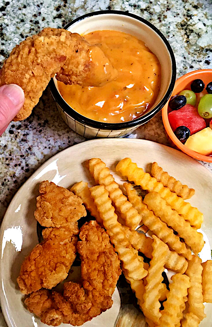Chicken Strips Con Queso