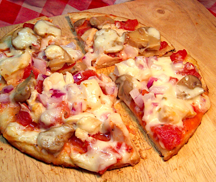 Image of Chicken and Mushroom Pizza