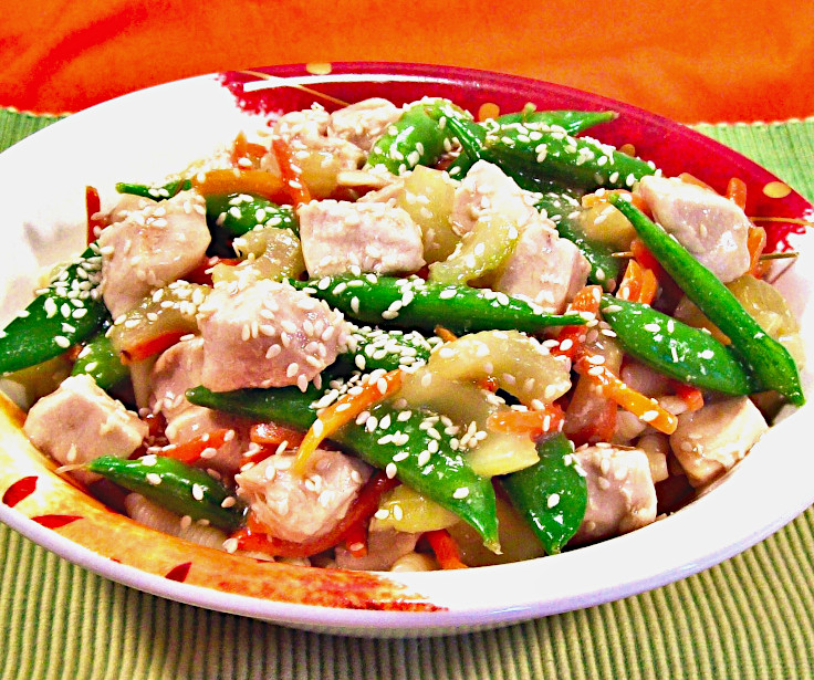 Chicken and Pea Pods in Sesame Gravy
