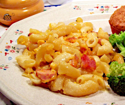 Macaroni and Cheese with Ham, Applesauce Nut Muffins