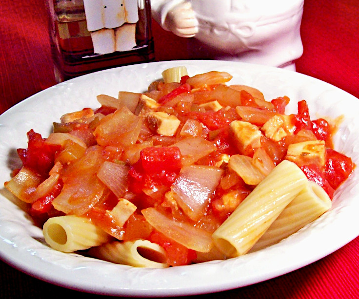 Image of Onion-and-Black-Pepper-Chicken-Rigatoni