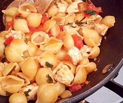 Single Skillet Chicken and Shells