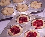 Fill tarts with cranberry and pineapple