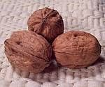 Fight the Effects of High-Saturated Fat Meals with Walnuts